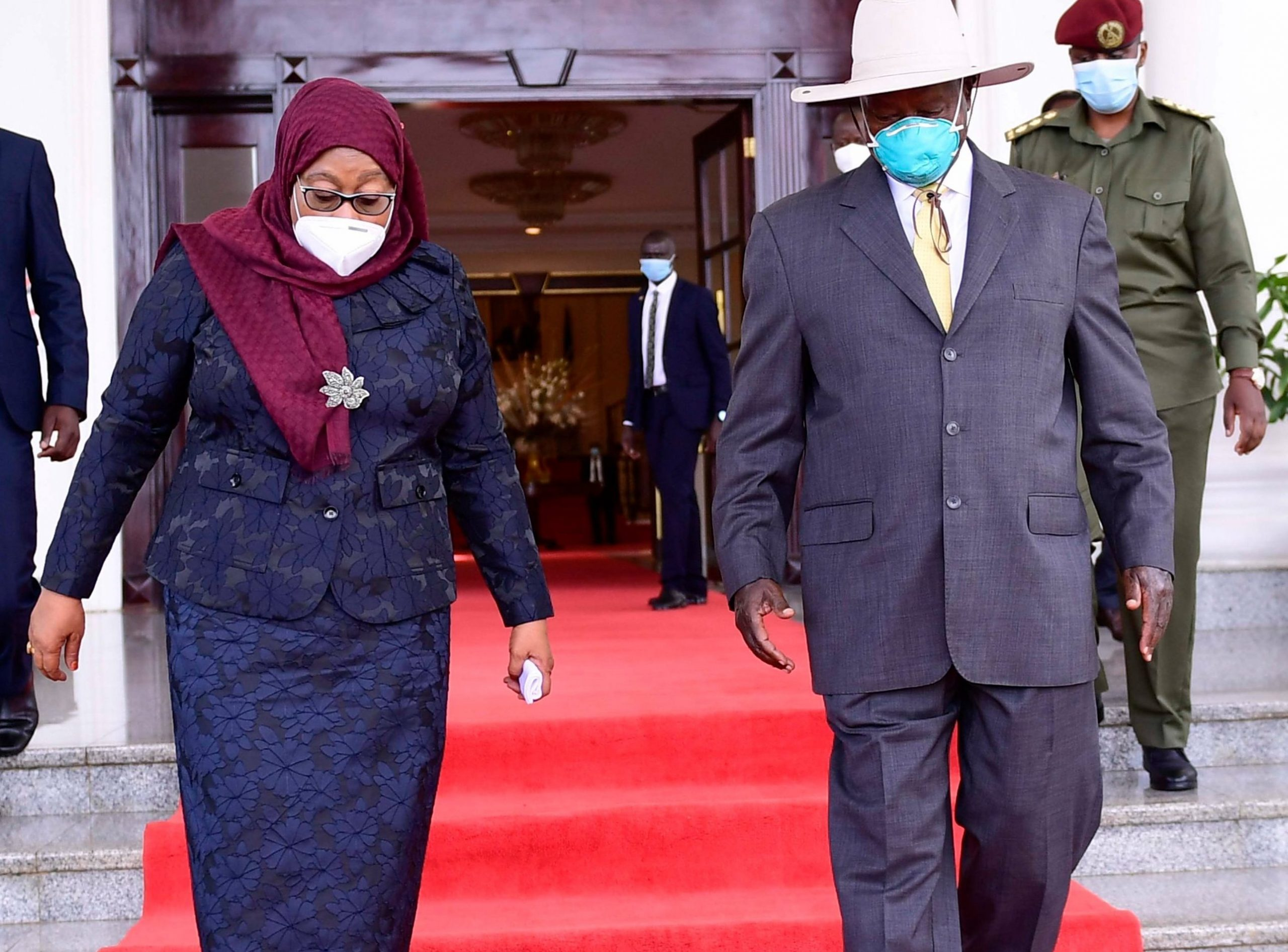 Suluhu Spotted in UGANDA With her Counterpart Museveni[Photos] – Dunda Post